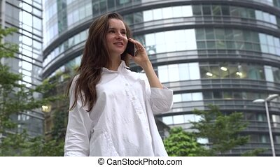 conversation, heureux, téléphone, femme affaires