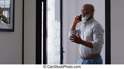 conversation, homme affaires, 4k, téléphone bureau
