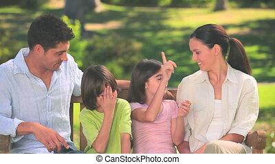 conversation, mignon, famille, dehors