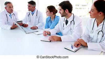 conversation, monde médical, meeti, pendant, équipe