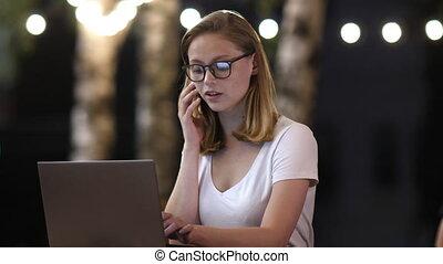 conversation, netbook, travail, ?ipster, téléphone, girl, ...