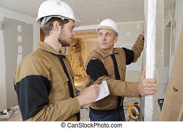 conversation, notes, ouvrier construction, apprenti