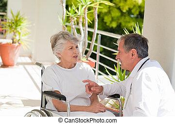 conversation, personne agee, sien, patient, docteur