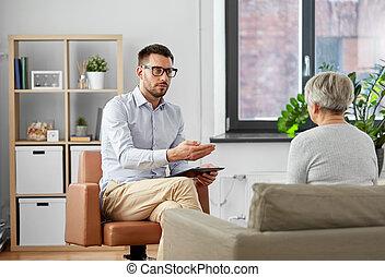 conversation, psychologue, femme, patient, personne agee