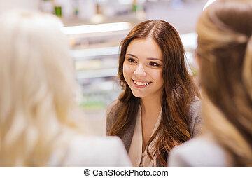 conversation, sourire, réunion, jeunes femmes