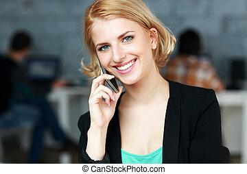 conversation, téléphone, heureux, bureau, femme affaires
