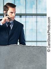 conversation, téléphone, jeune, homme affaires