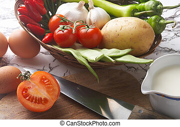 cook - kochen - knife with vegetables - Messer mit Gemuese