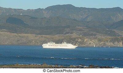 Cook Strait Ferry to Wellington - Interislander Cook Strait...