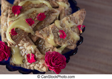 cookie with honey and flowers