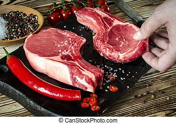cooking., 古い, 肉, 牛肉, スペース, 木製である, 塩のコショウ, text., steak., 手, ステーキ, 未加工, 大理石模様にされた, バックグラウンド。, ハーブ, 準備ができた, 目, ステーキ, あばら骨, ニンニク