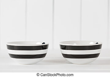 Cooking bowl - Two vintage kitchen bowl to use as container
