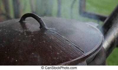 Cooking food in kazan