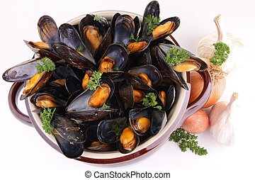 mussel - cooking pot with mussel on white background