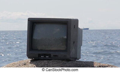 Cool video in nature. From TV comes out of long ship - Sea...