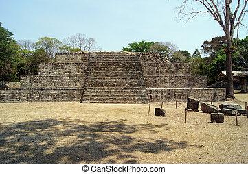copan, ピラミッド