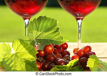copas de vino tinto, en, un, tabla