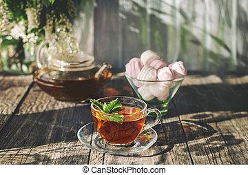 copo, madeira, chá, bule, rústico, vidro, verde, moranguinho, gostosa, spase, tabela, cópia, hortelã, transparente, verão, marshmallows.