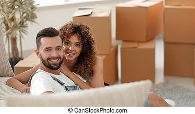 coppia, apartment., giovane, concetto, nuovo, benessere