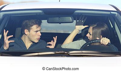 coppia, arguire, mentre, lei, è, guidando macchina