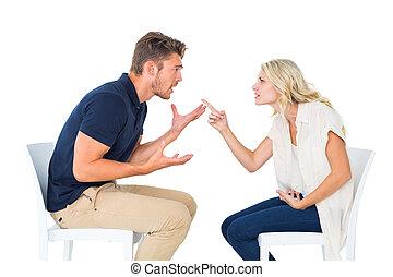 coppia, arguire, sedie, giovane, seduta