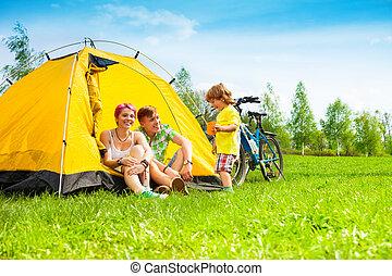 coppia, capretto, yong, tenda