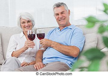 coppia, clinking, loro, vino rosso, occhiali