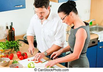 coppia, cottura, insieme, in, cucina