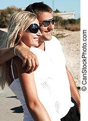 coppia, di, giovani persone, divertimento, su, uno, vacanza, giorno