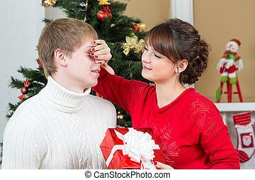 coppia felice, celebrare, natale, o, anno nuovo