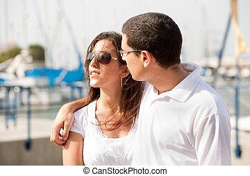 coppia, felice, giovane, ritratto, porto