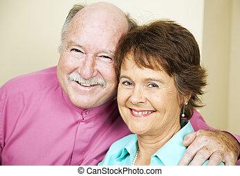 coppia felice, maturo