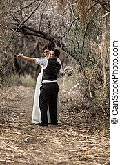 coppia, foresta, ballo
