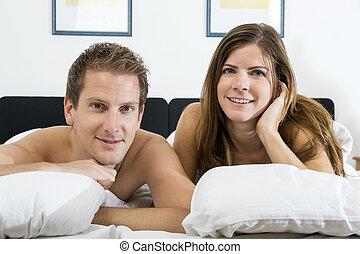 coppia, giovane, letto
