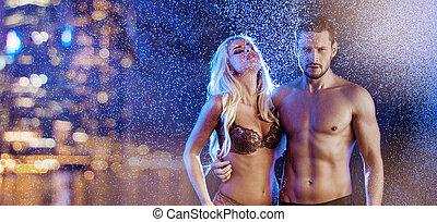 coppia, giovane, mezzo, città, proposta, sexy