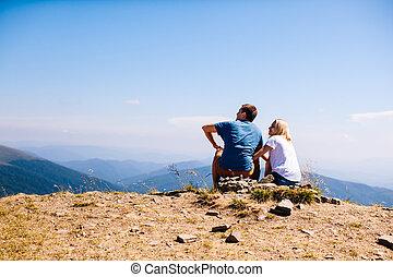 coppia, giovane, paesaggio, ammirare