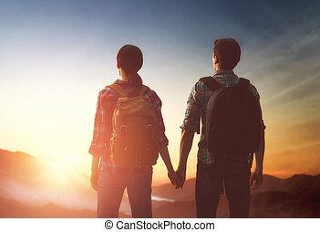 coppia, guarda, tramonto