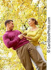 coppia, in, autunno