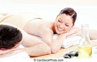 coppia, indietro, giovane, ricevimento, caucasico, massaggio