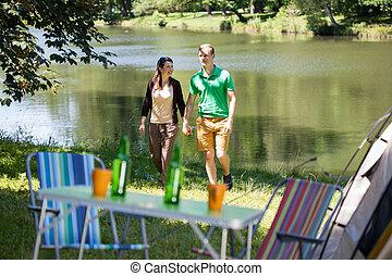 coppia, lago, camminare