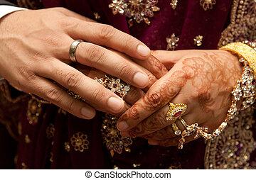 coppia, matrimonio, asiatico, tenere mani