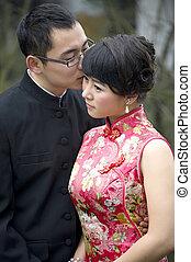 coppia, matrimonio, giovane, loro, abbracciare, baciare, giorno