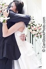 coppia, matrimonio, giovane, loro, abbracciare, giorno