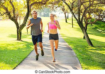 coppia, parco, correndo, insieme
