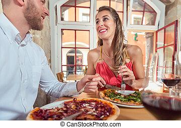 coppia, pizza, mangiare, ristorante