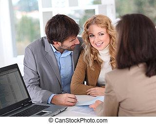 coppia, proprietà, firmando contratto