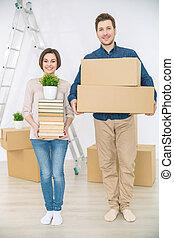 coppia, scatole, presa a terra, felice