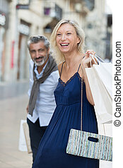 coppia, shopping, anziano, insieme, felice