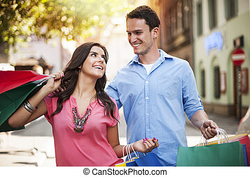 coppia, shopping, giovane, insieme, godere