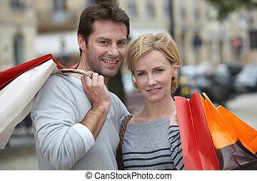 coppia, shopping, insieme, fuori